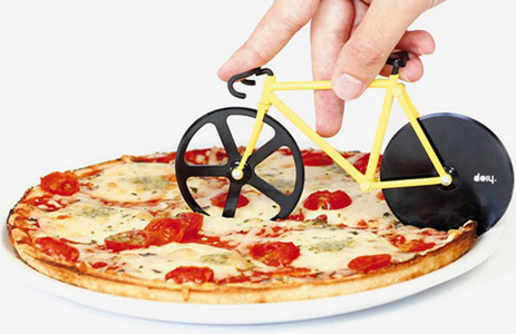 The pizza cutter