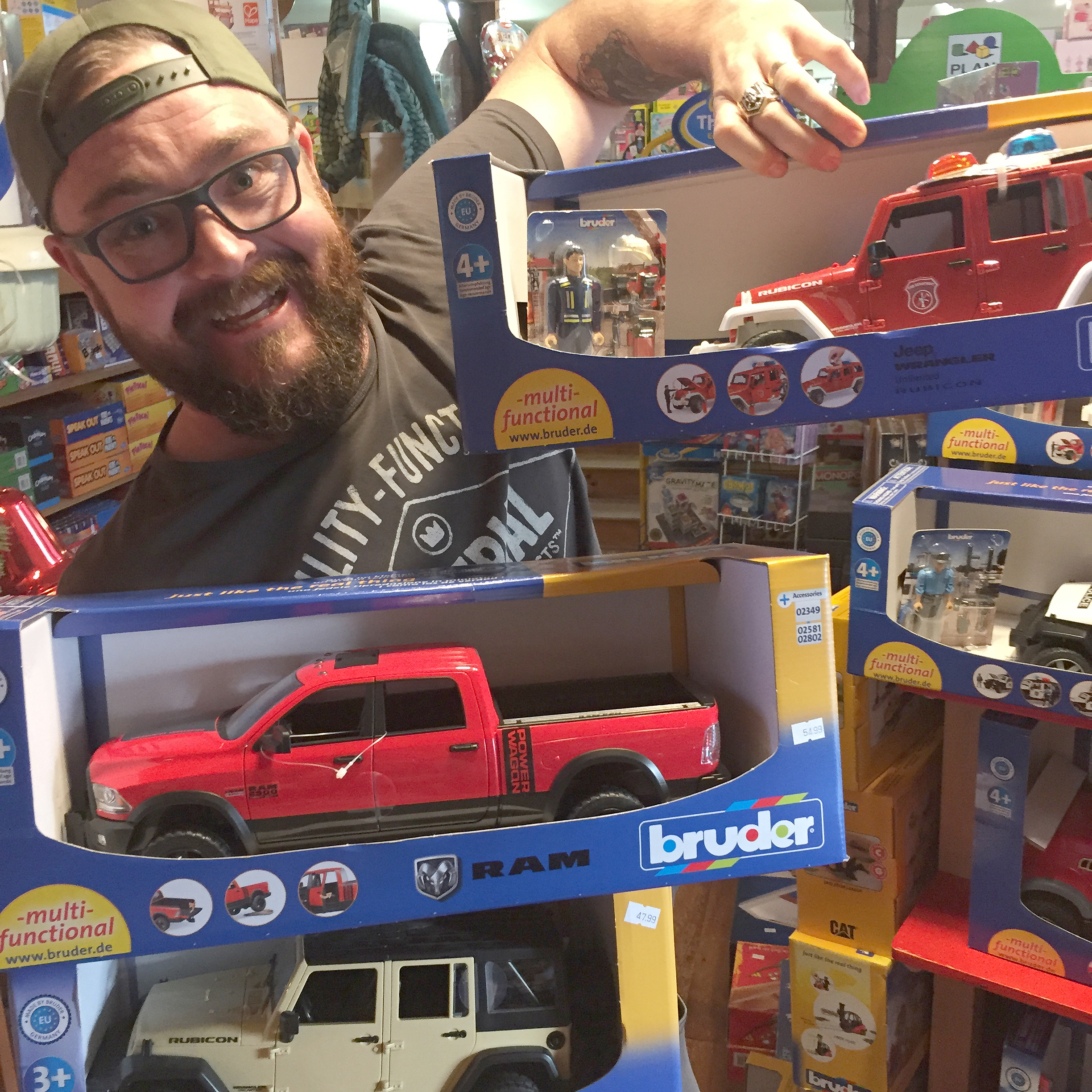 Fill A Truck 2017 Toys For Tots : Toys for tots milwaukee wi wow