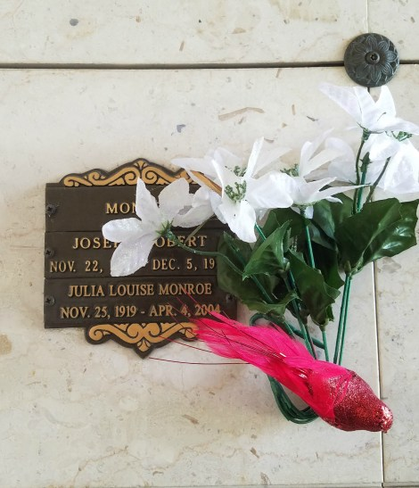 cremation decorations
