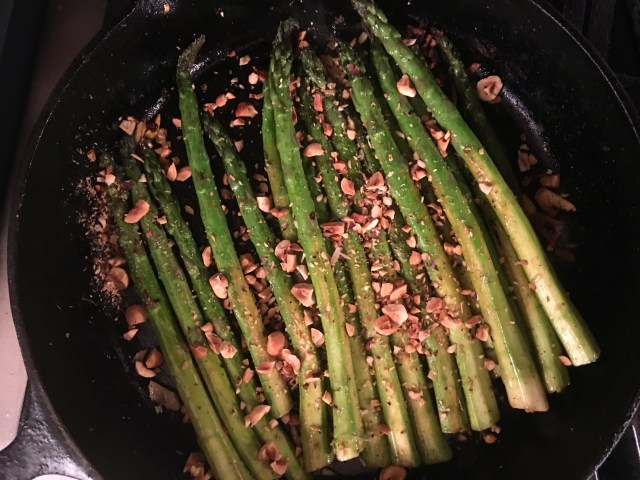 Asparagus with Hazelnuts