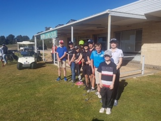 9 players take part in junior golf day