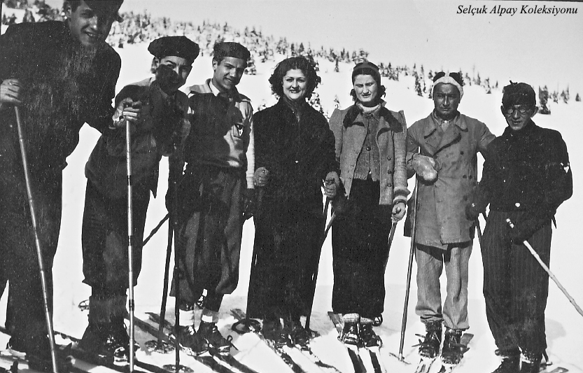 Sağ başta Musa Ataş,yanında Saim ve Şahsine Altıok,beşinci Rauf Alpay 23.02.1936