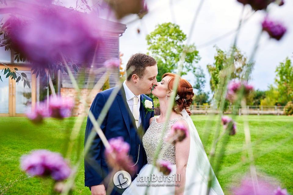 Autumnal Mythe Barn Wedding Photography | Jadie And Mike
