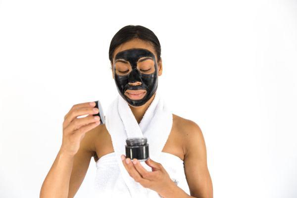 donna maschera inci siliconi ingredienti cosmetici