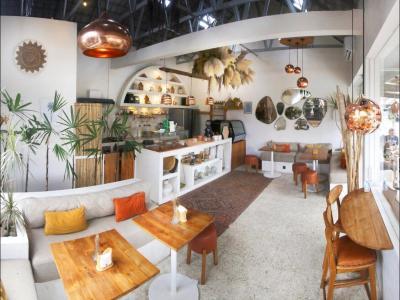 Trendy Design Restaurant - Canggu