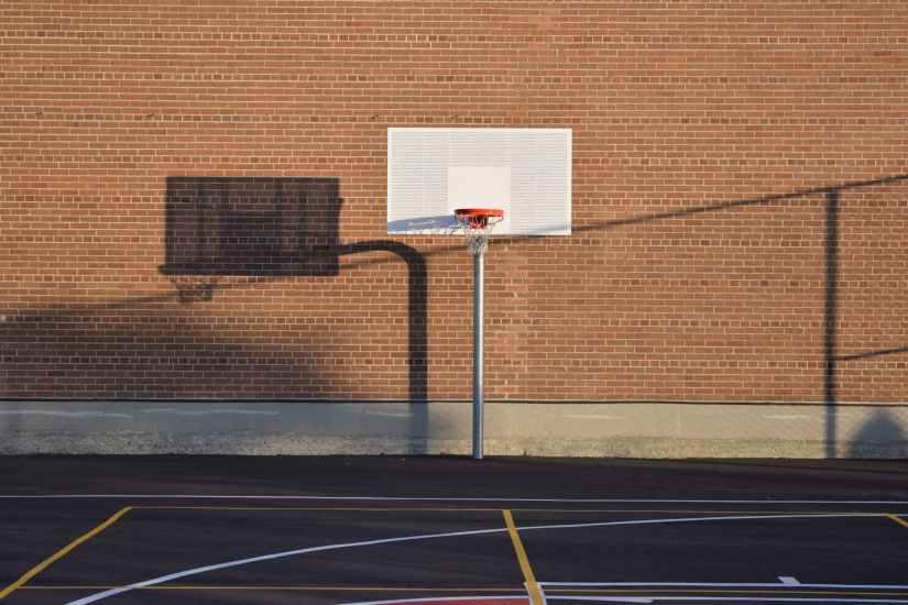 空蕩的籃球場