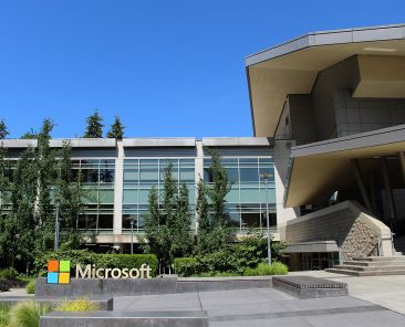 1280px-Building92microsoft