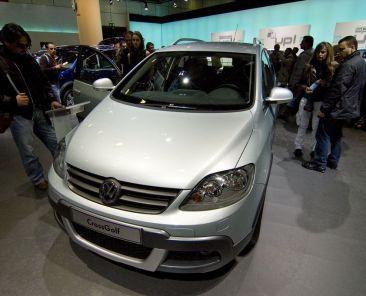 car-auto-vw-volkswagen-golf-zdroj-francesco-gasparetti