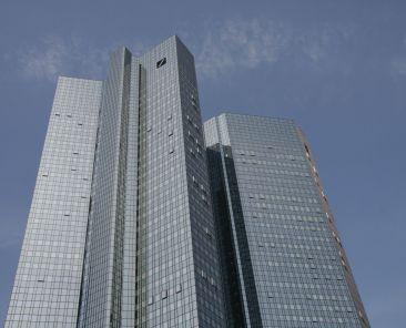 frankfurt-deutsche-bank-dbk-zdroj-rhythmuswege