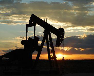 oil-zdroj-Paul-Lowry