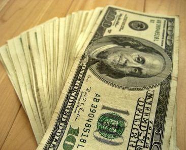 packet-dollar-note5-zdroj-401-k-2012