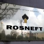 Ruská ropná společnost Rosněfť se díky růstu cen ropy vrátila k zisku