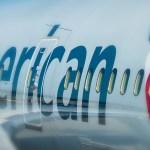 American Airlines díky většímu zájmu o létání snížily ztrátu