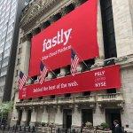 Pokles ceny akcií spoločnosti Fastly môže predstavovať vhodný nákupný signál