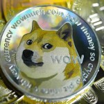 Hodnota dogecoinu tento týden opět poskočila a oblíbenost tyhle kryptoměny stále roste