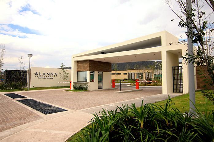 Casas en Querétaro - Acceso - Alanna Reisdencial