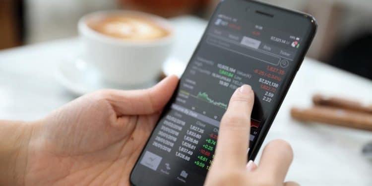 En este momento estás viendo Aplicación de Coinbase se vuelve tendencia en App Store de Apple