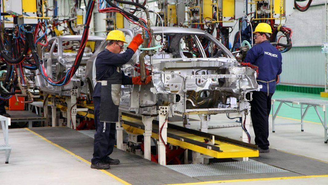 En este momento estás viendo La industria automotriz se está reduciendo a medida que el mundo alcanza el «auto pico», y está arrastrando a toda la economía global.