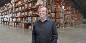 Lee más sobre el artículo El controvertido ex CEO de Overstock vendió toda su participación de $ 90 millones para apilar en inversiones en oro y criptografía (OSTK)