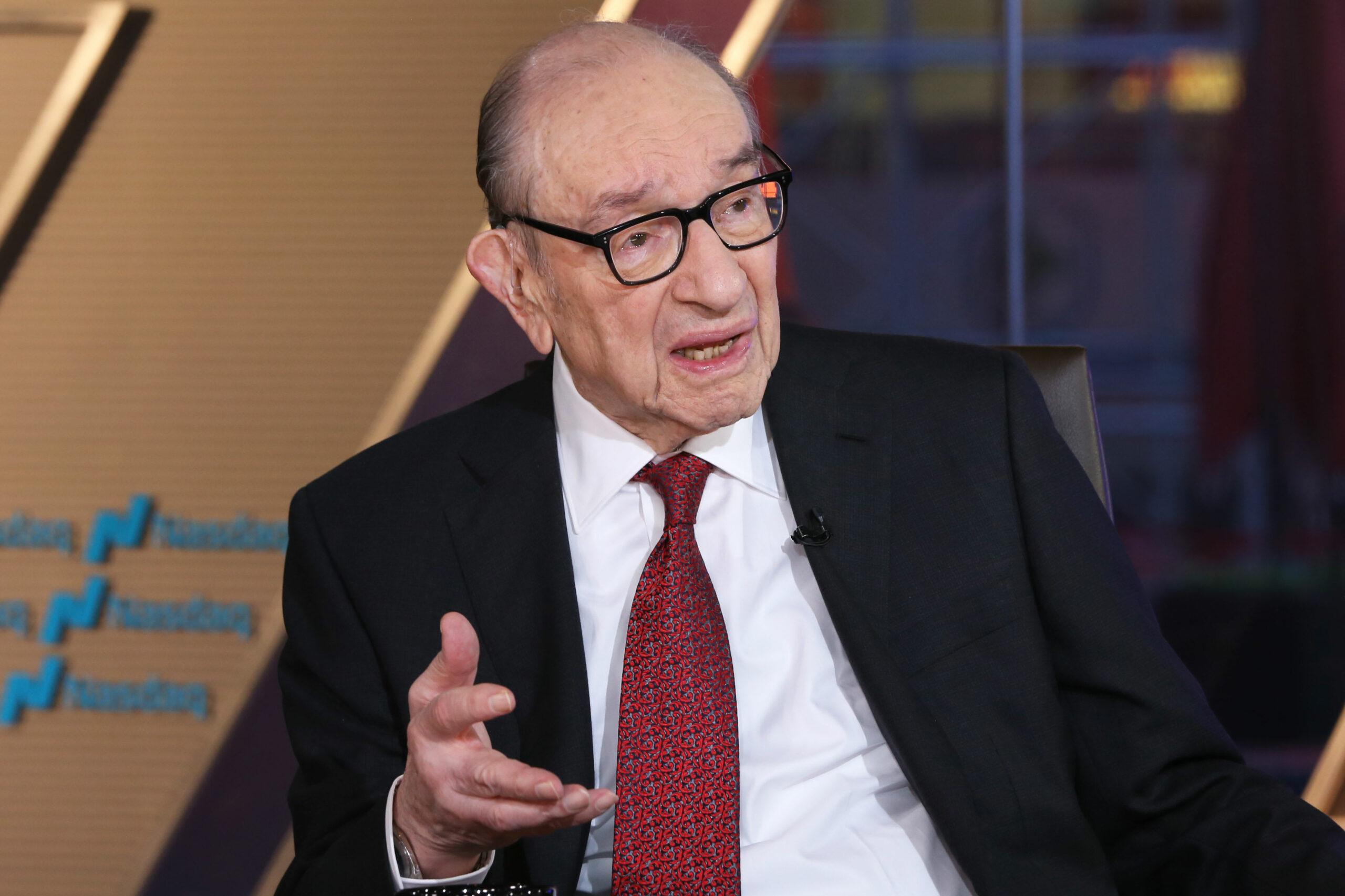 En este momento estás viendo El ex presidente de la Fed, Alan Greenspan, dice que 'no tiene sentido' que los bancos centrales pasen a la moneda digital
