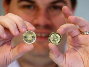 Lee más sobre el artículo Los jóvenes inversores están inundando Bitcoin en la pandemia, mientras que la generación anterior no puede obtener suficiente oro, dijo un equipo de analistas de JPMorgan.