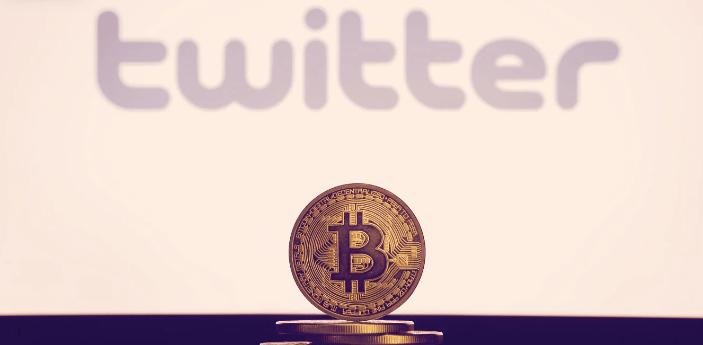 En este momento estás viendo Twitter dice que puede agregar Bitcoin a su balance
