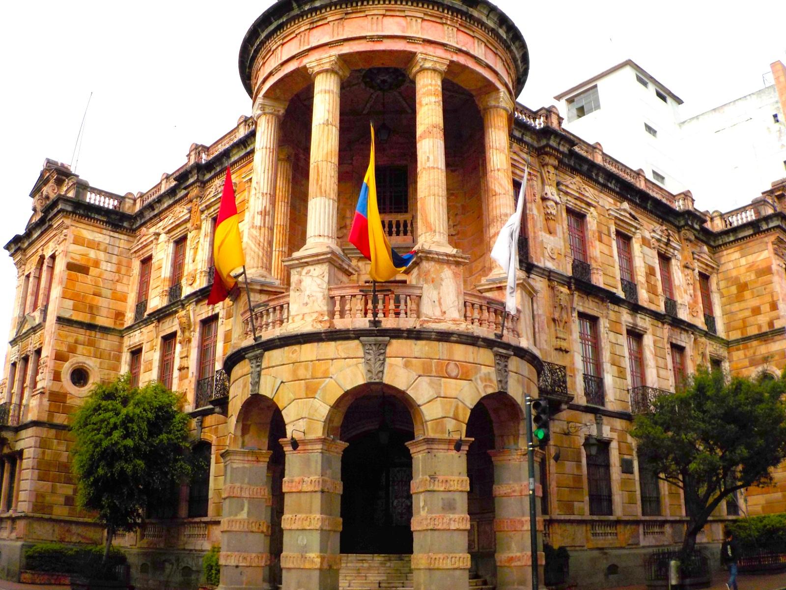 Cuenca, Ecuador, Cuenca y Loja