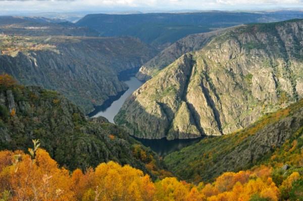 ruta de senderismo en cañón del Sil