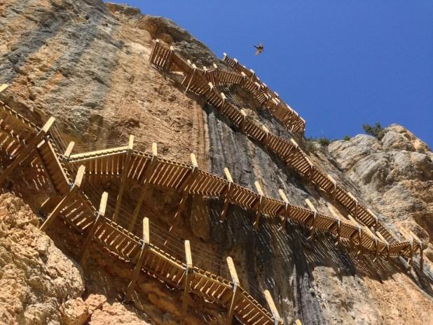 Pasarelas de Montfalcó. rutas de senderismo más impresionantes de España