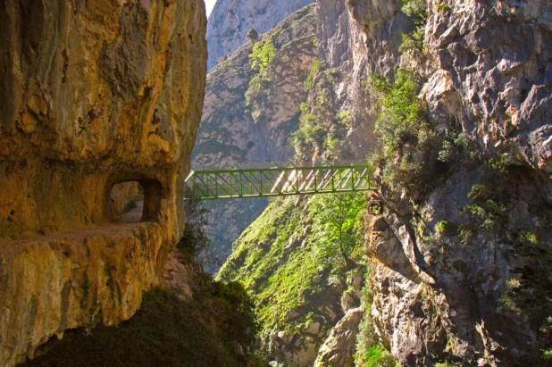 Puente de los Rebecos, rutas vertiginosas.