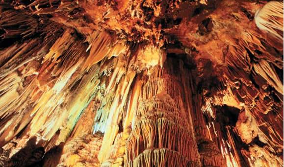Visitar las Cuevas de Valporquero