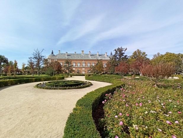 Palacio al lado del río Tajo