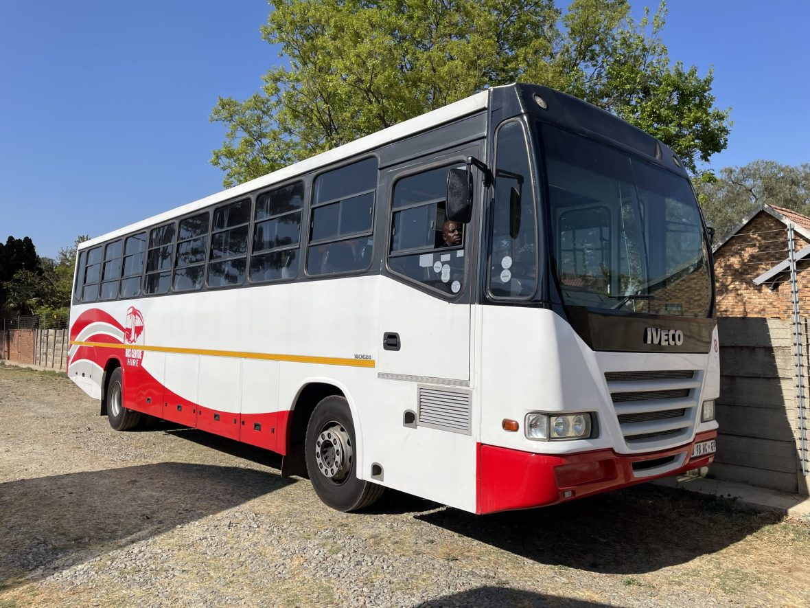 IVECO 18.28M AFRIWAY (65-SEATER)