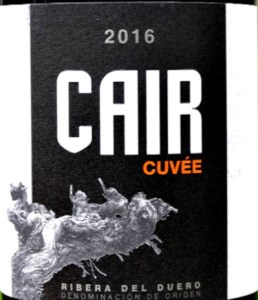 Cuvée de Cair 2016 is a stunning red from Ribera del Duero. Complex, layered aromas of black fruits. Rich, intense palate of savoury black fruit with creamy oak notes and excellent length. Beautiful balance. Refined and approachable at the same time. Great quality Ribera del Duero at a great price.