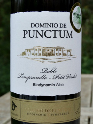 Dominio de Punctum Roble 2014: terrific blend Tempranillo & Petit Verdot; organic and biodynamic; Silver Medal Mundus Vini Biofach, The grand International Organic Wine Award