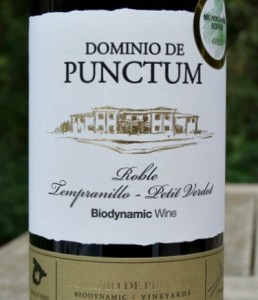 Dominio de Punctum Roble 2015: terrific blend Tempranillo & Petit Verdot; organic and biodynamic; GOLD Medal Challenge Millesime Bio 2018, International Organic Wine Award