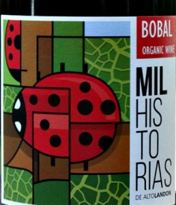 Mil Historias Bobal 2016 (organic) is a terrific find from small producer Bodegas Altolandon in DO Manchuela. A full-bodied, rich red with complex layers of black fruit, cherries with pepper and liquorice hints. A juicy and fresh Bobal of great quality and superb length. Very popular at our recent Tasting. Drink with Roast Beef or Lamb.