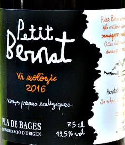 Petit Bernat Negre 2016 (Organic) stunning, elegant red wine from Oller de Mas in Pla de Bages Spain. Complex, approachable, elegant red with bags of cherry and blackcurrant fruit. Very long.
