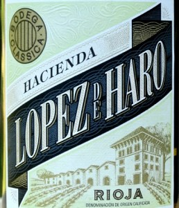 Lopez de Haro Blanco 2018 attractive, great value White Rioja. Greengage, pear and melon flavours, with hint of light oak and buttery notes. It has a nice citrus uplift at the end which makes for a fresh, quaffable, stylish White Rioja.