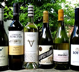 Spain produces some amazing white wines from Rioja to Galicia and there are a couple of South African stunning white wines in this case too. Award winning quality wines at an amazing price.