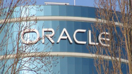 Oracle Accused of Overcharging U.S. Government