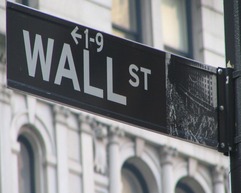 Wall Street Cash Bonuses Fell in 2010; Average $128,530