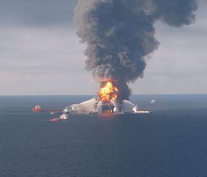 Fire boat response crews battle the blazing remnants of the off shore oil rig Deepwater Horizon April 21, 2010. Photo: US Coast Guard, via Wikimedia Commons
