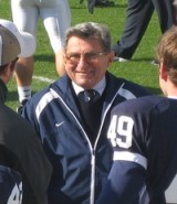 Joe_Paterno_Sideline_PSU-Illinois_2006_wikimedia
