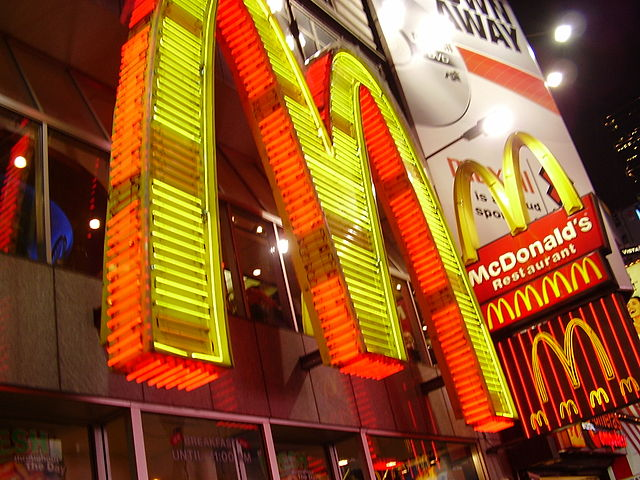 The Public Costs of Low Wages Paid by the Fast-Food Industry