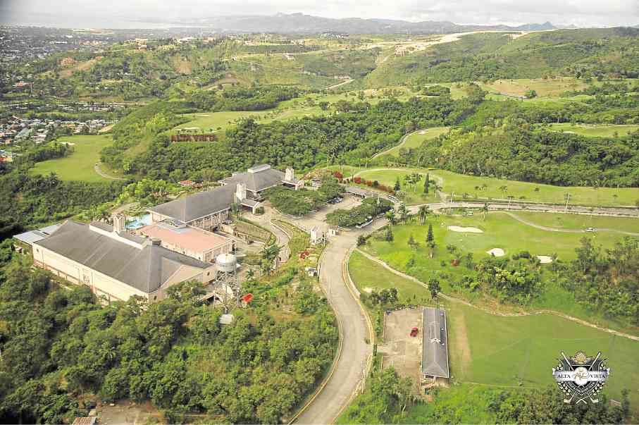 Sta. Lucia Land currently has developments ranging from townships, golf communities, house and lot developments, mid- and high-rise condos, condotels, residential resorts and even commercial malls.
