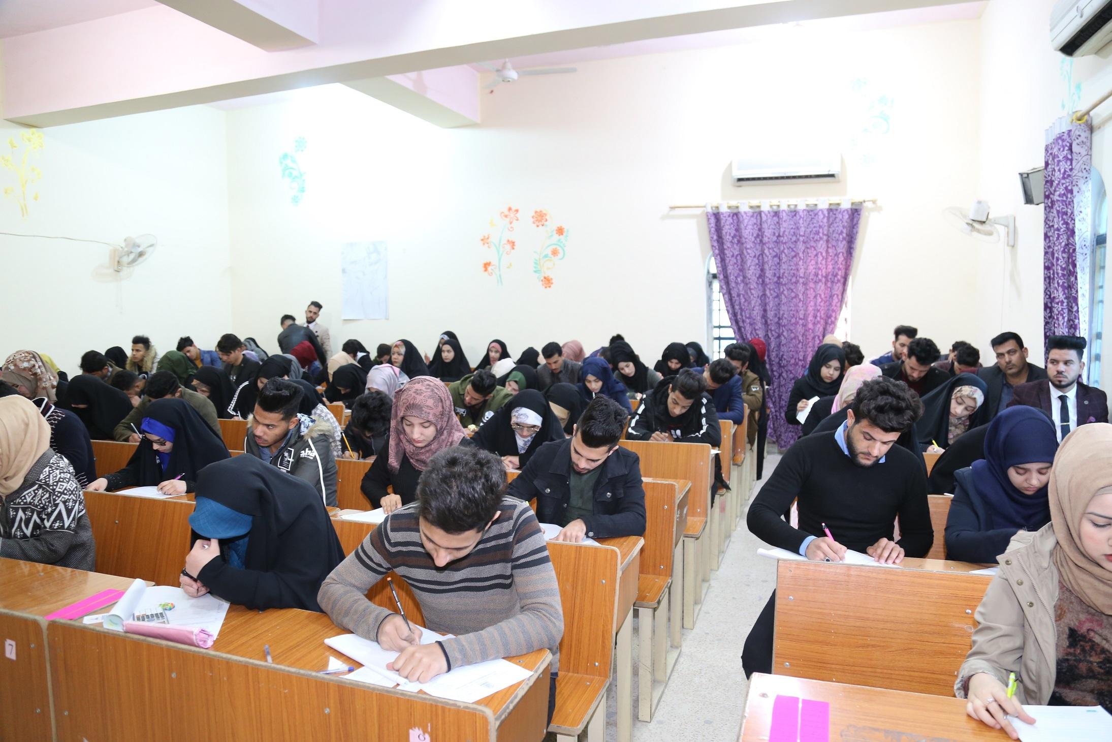 Read more about the article جانب من امتحانات الكورس الاول للعام الدراسي 2018-2019