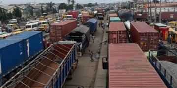 Apapa: A port city eaten up in shameful disorderliness - Businessday NG