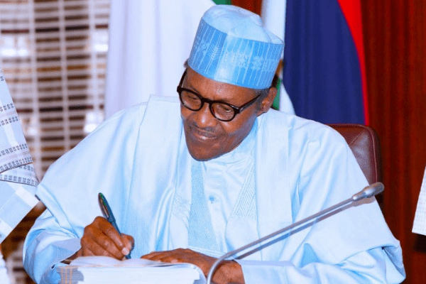 Buhari presides over FEC to review 2019 finances, after 19 days of absence - Businessday NG