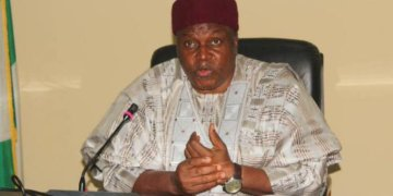 Taraba Assembly passes vote of confidence on Gov. Ishaku amidst calls for impeachment. - Businessday NG